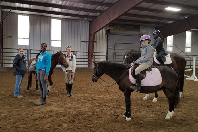 English Equestrian Team Volunteers at 4-H Judging Clinic