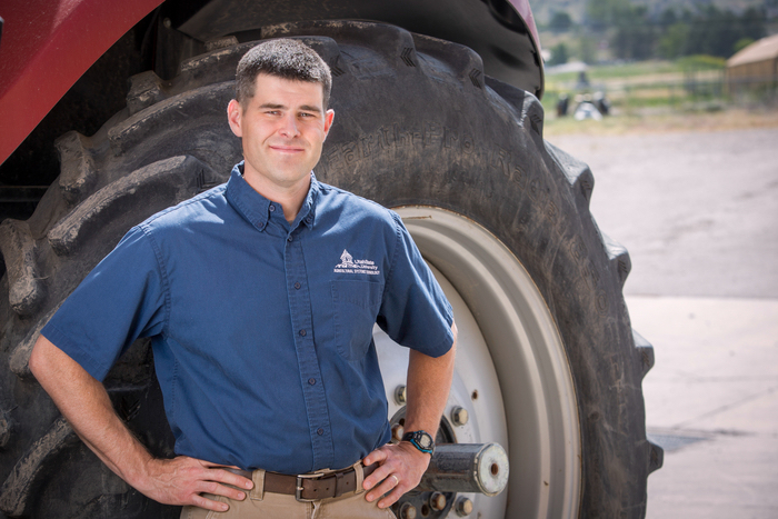 AGRICULTURAL EDUCATION PROFESSOR RECEIVES TEACHING AWARD
