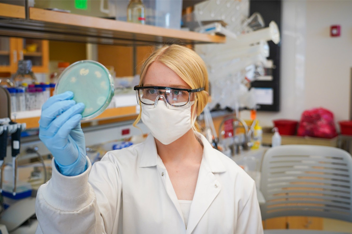 Students Receive Grants to Conduct Impactful Undergraduate Research